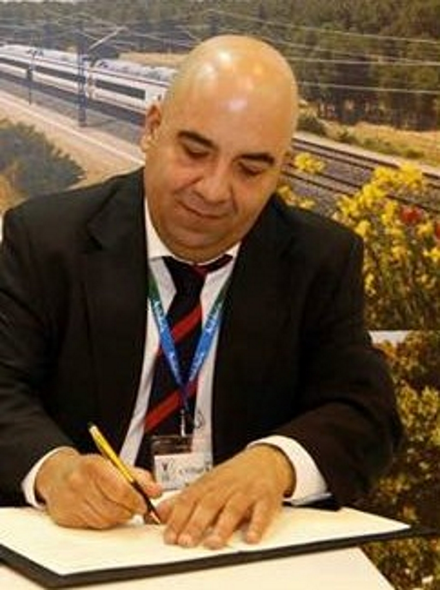 enREDate con nosotr@s... nosotr@s nos enREDamos contigo. Pedro A. Morcillo. Vicepresidente de AEME